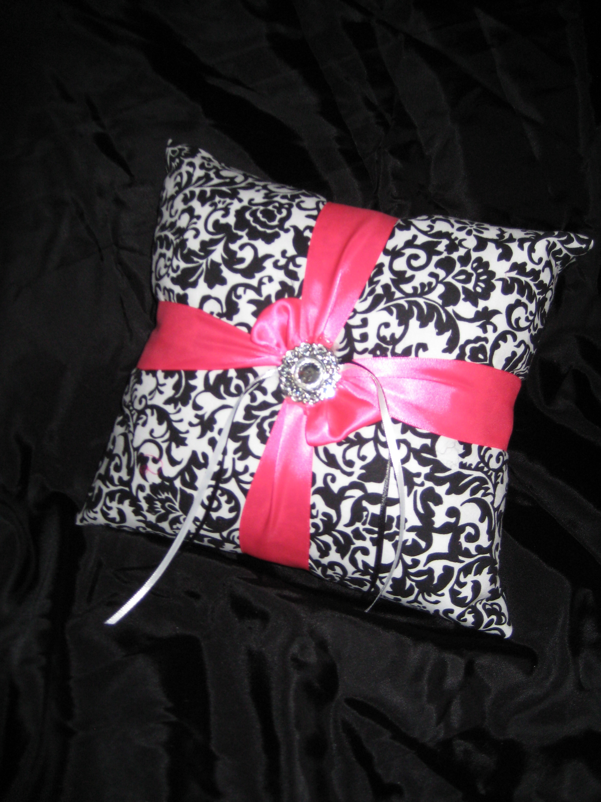 Ceremony, Flowers & Decor, white, pink, black, Ring, Pillow, Bearer