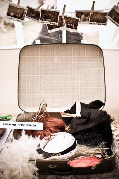 Photos, Suitcase