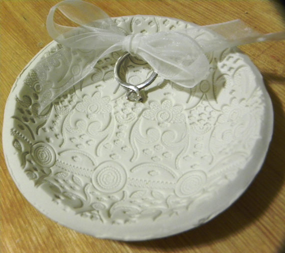 Ring, Pillow, Dish