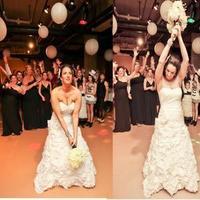 Reception, Flowers & Decor, Flowers, Dallas, Theater wedding, Break away bouquet, Fortune bouquet, Level two