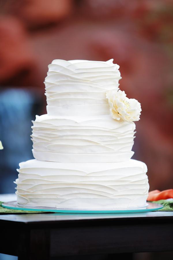 ivory, Garden Wedding Cakes, Round Wedding Cakes, Vintage Wedding Cakes, Cake Toppers