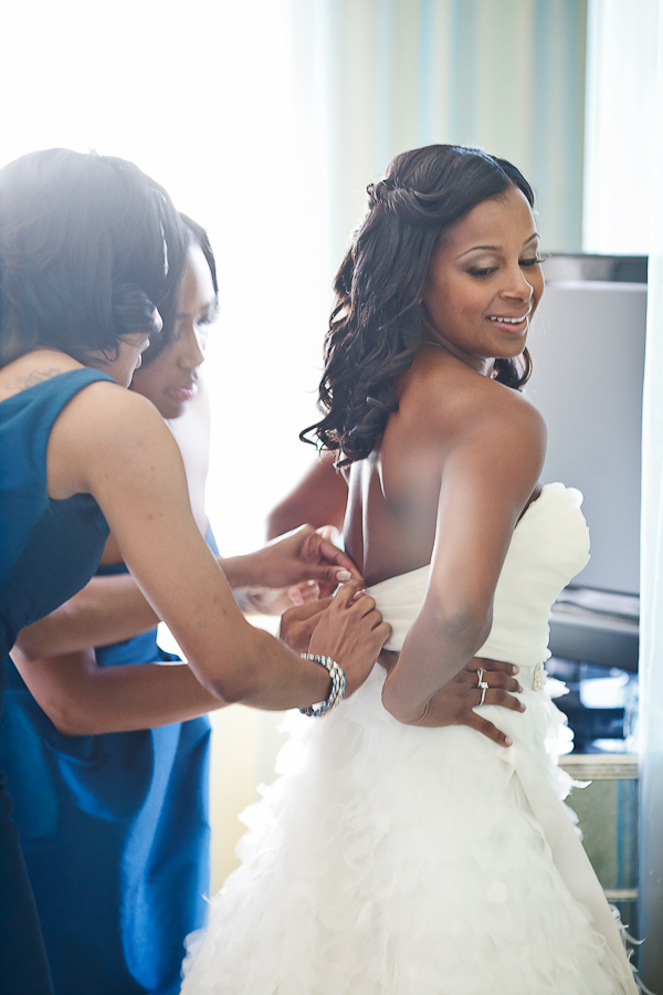 Bride, Bridemaids, Getting, Ready, Asha bryson, Zipped