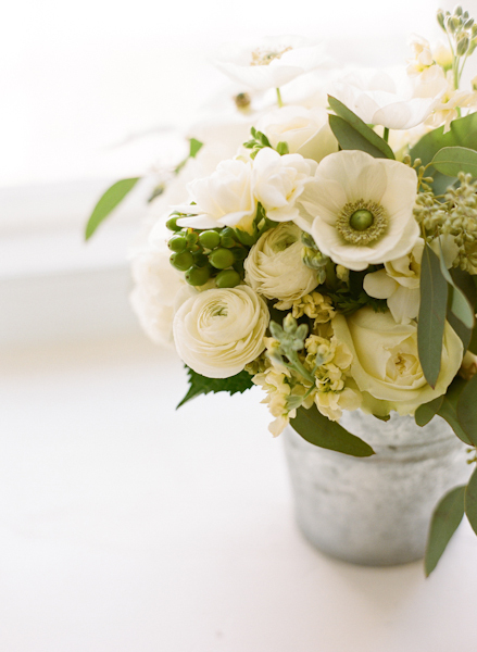 Flowers & Decor, white, green, Flowers, Simple, Sara mark