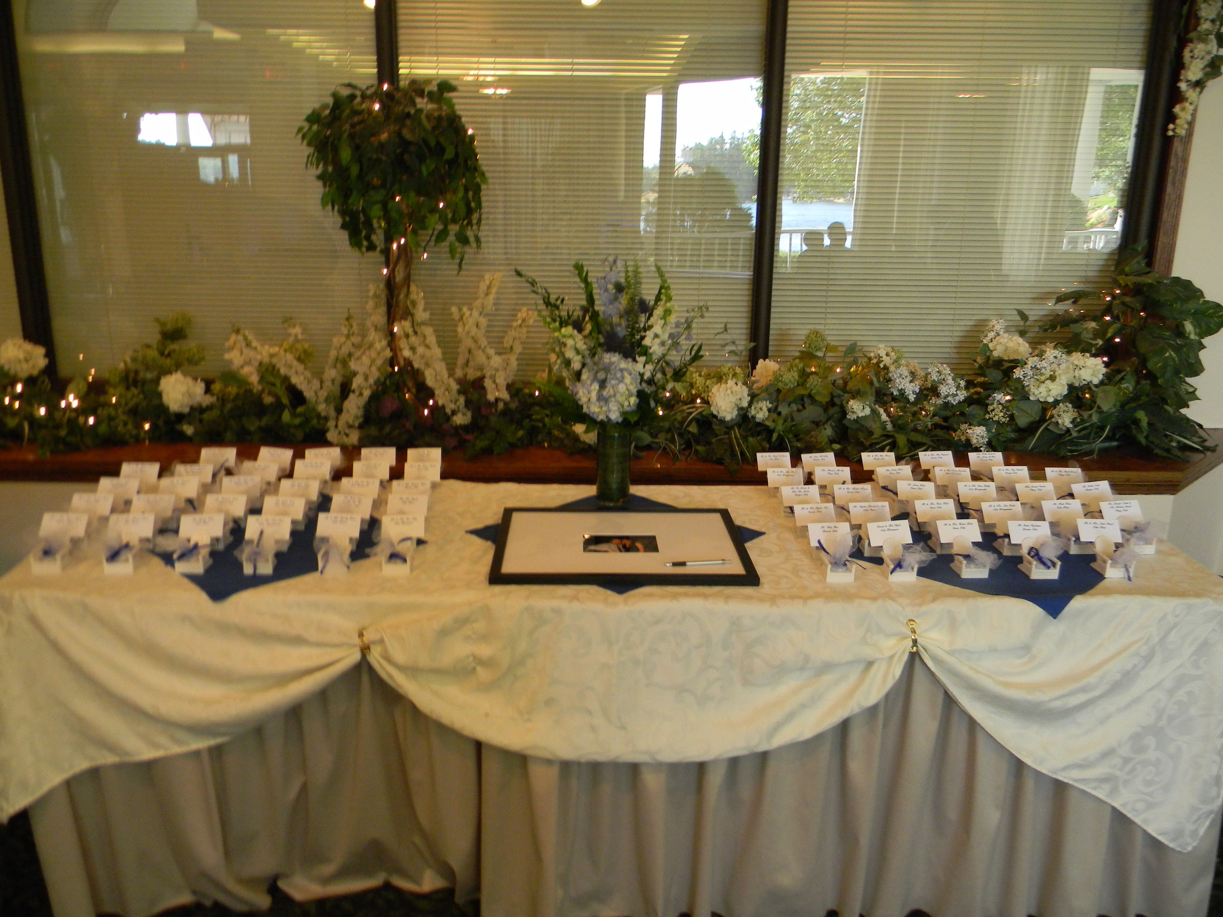 Reception, Flowers & Decor, white, blue