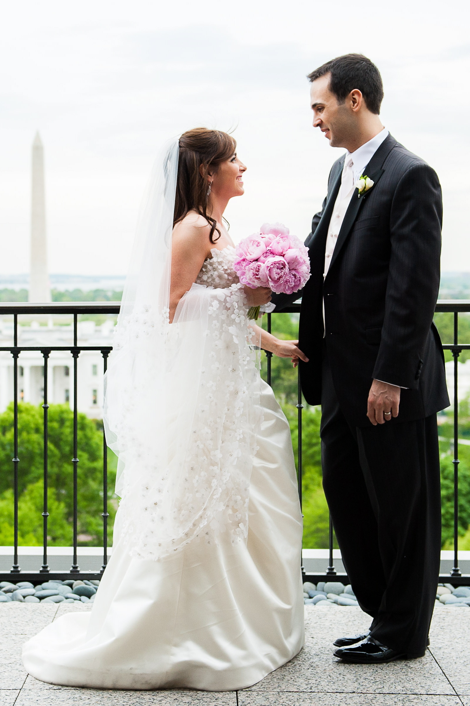 pink, Bride, Bouquet, Groom, Monument, Elizabeth andrew
