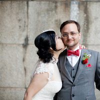 red, green, Bride, Bouquet, Groom, Grey, Kiss, Clara dave