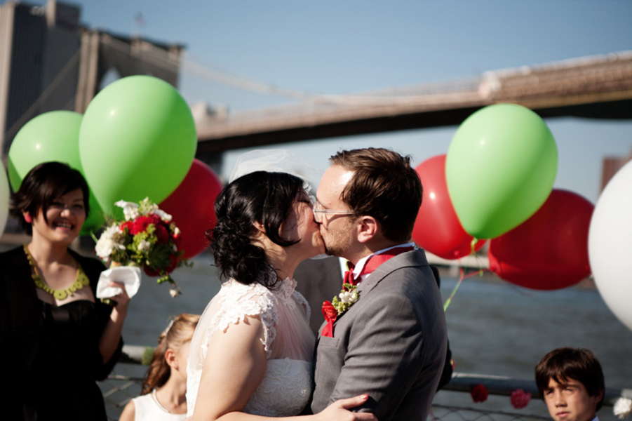 Ceremony, Flowers & Decor, red, green, Bride, Groom, Kiss, Bridge, Balloons, Clara dave