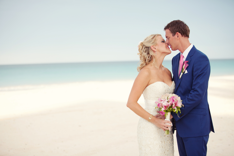 Beach, Kiss, Ocean, Couple, Sand, Kristin broen