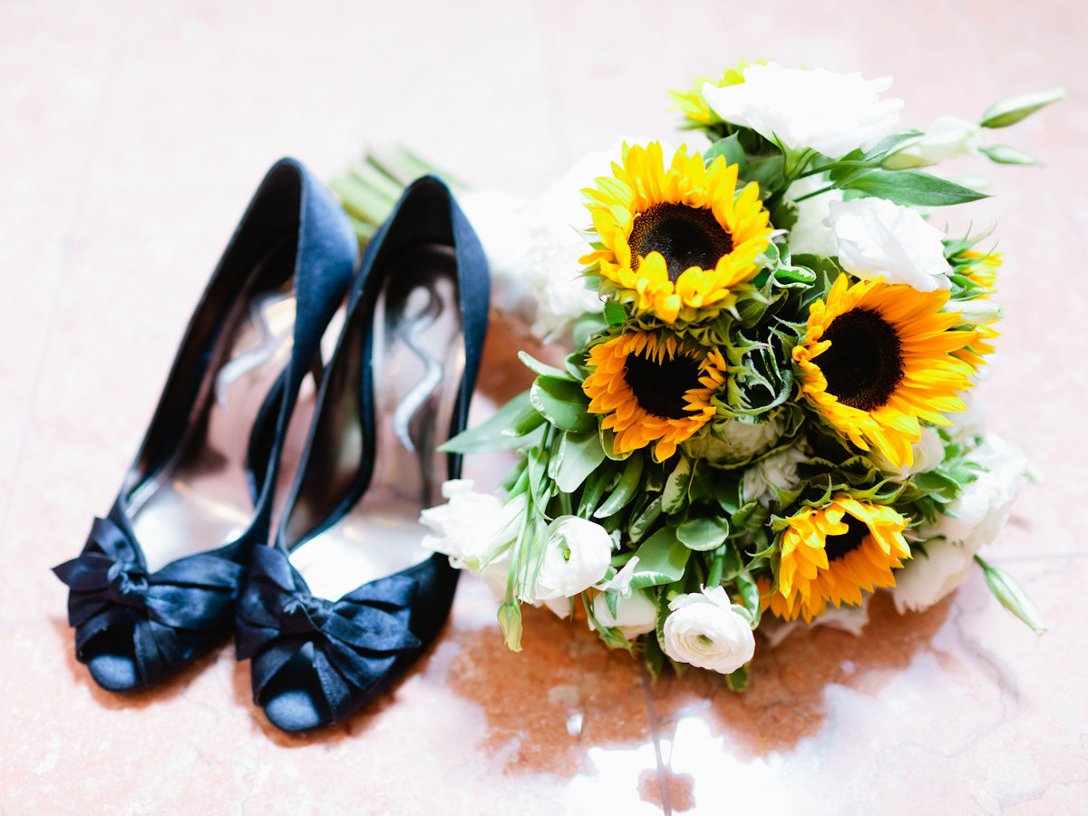 Shoes, Fashion, white, yellow, green, black, Bouquet, Sunflowers, Robyn, Robyn ben