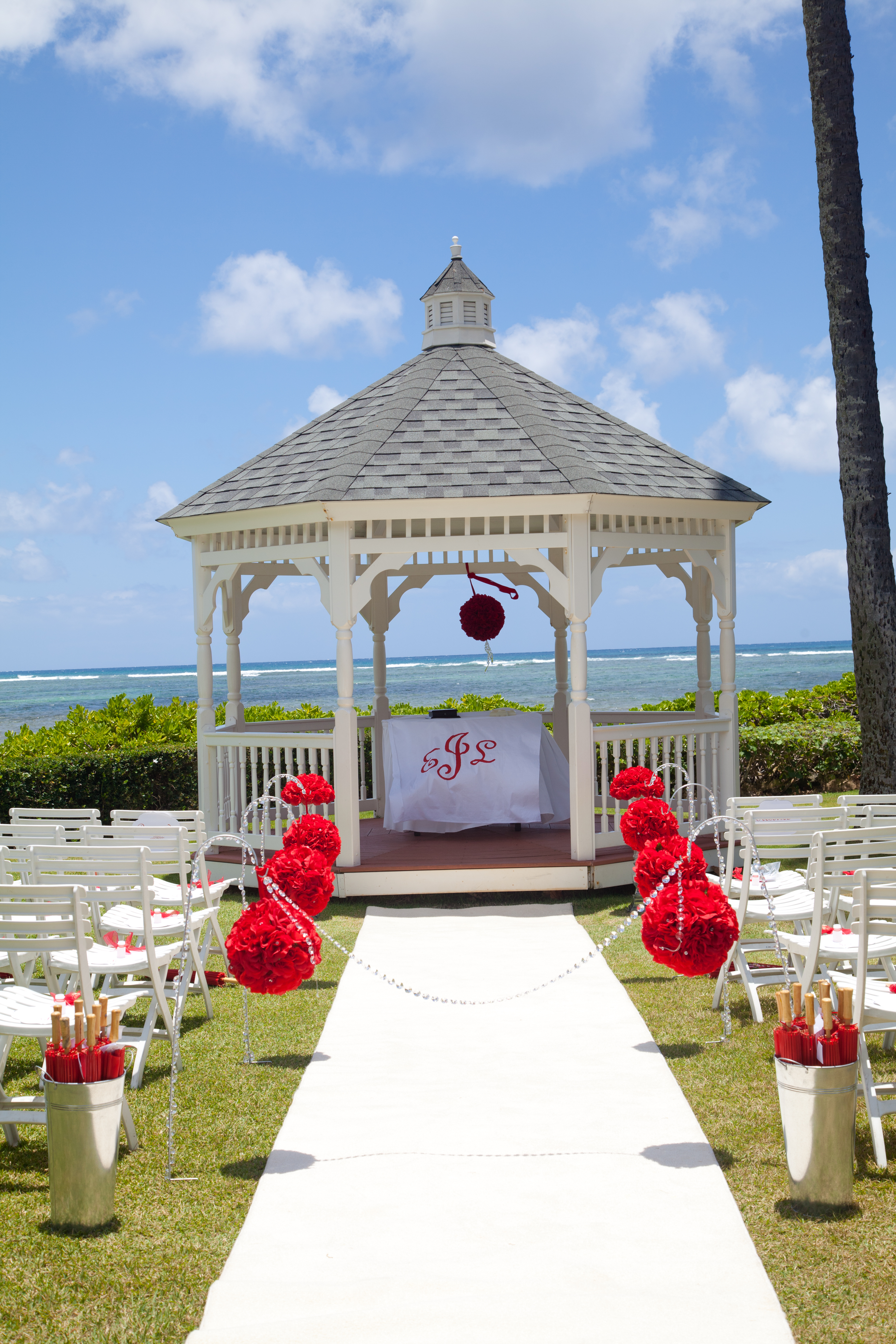 Ceremony, Flowers & Decor, white, red, Site