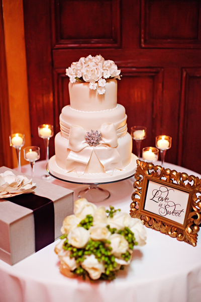 Cakes, ivory, cake, Classic, Classic Wedding Cakes, Detail, Bow, Crystal wicksell