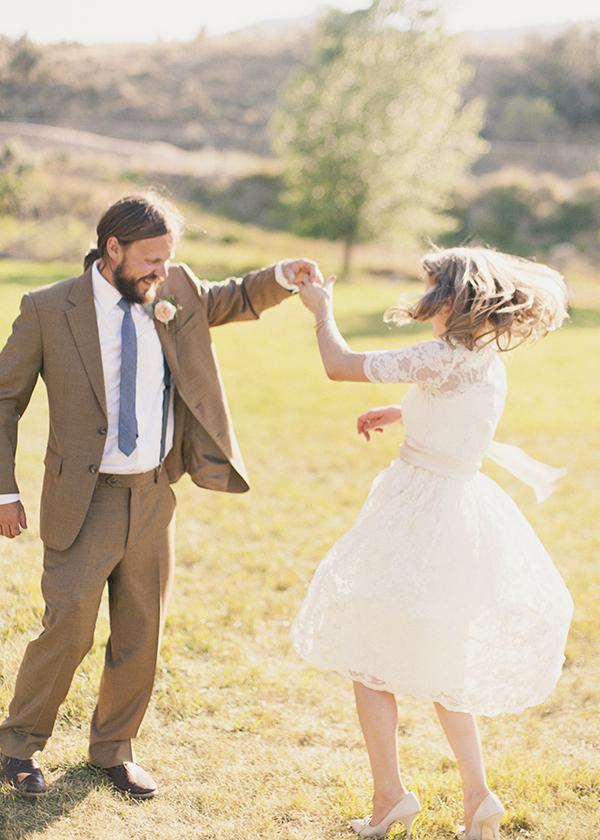 Reception, Flowers & Decor, Bride, Groom, Dance, Couple, Newlywed, Twirl, Kiki dan