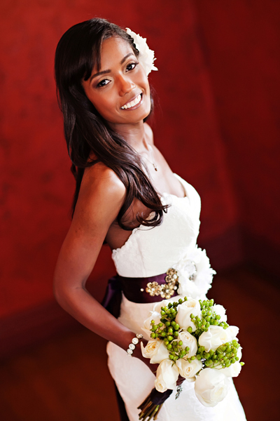 white, ivory, purple, green, Bride, Bouquet, Portrait, Crystal wicksell