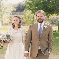 Flowers & Decor, Wedding Dresses, Fashion, white, brown, dress, Bride Bouquets, Bride, Flowers, Portraits, Groom, Couple, Newlyweds, Kiki dan, Flower Wedding Dresses