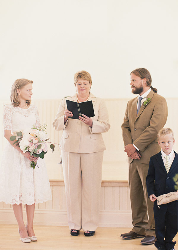Ceremony, Flowers & Decor, white, brown, Bride, Groom, Vows, Officiant, Kiki dan