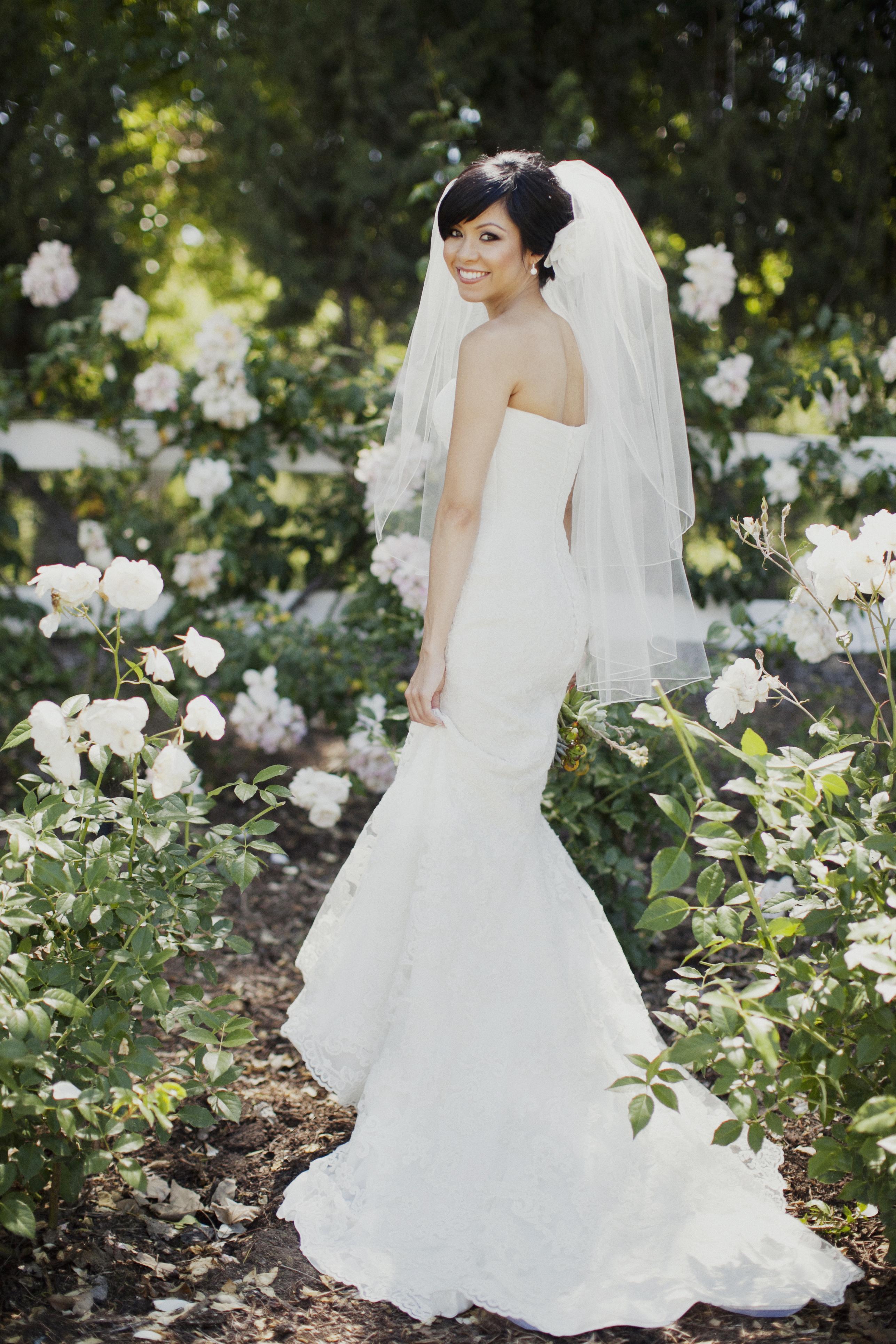 Flowers & Decor, Veils, Fashion, white, Bride Bouquets, Bride, Flowers, Mermaid, Veil, Gown, Andrea eric, Flower Wedding Dresses