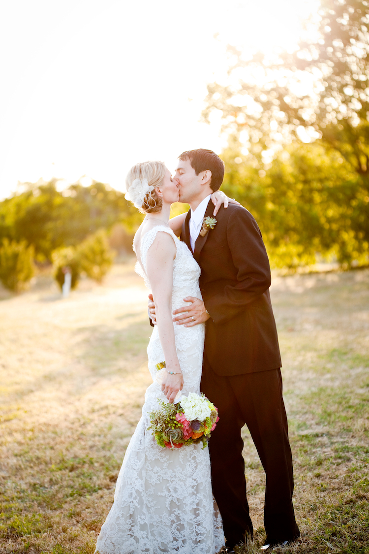 Bride, Groom, Wedding, And, Organic, Farm, Jessica michael
