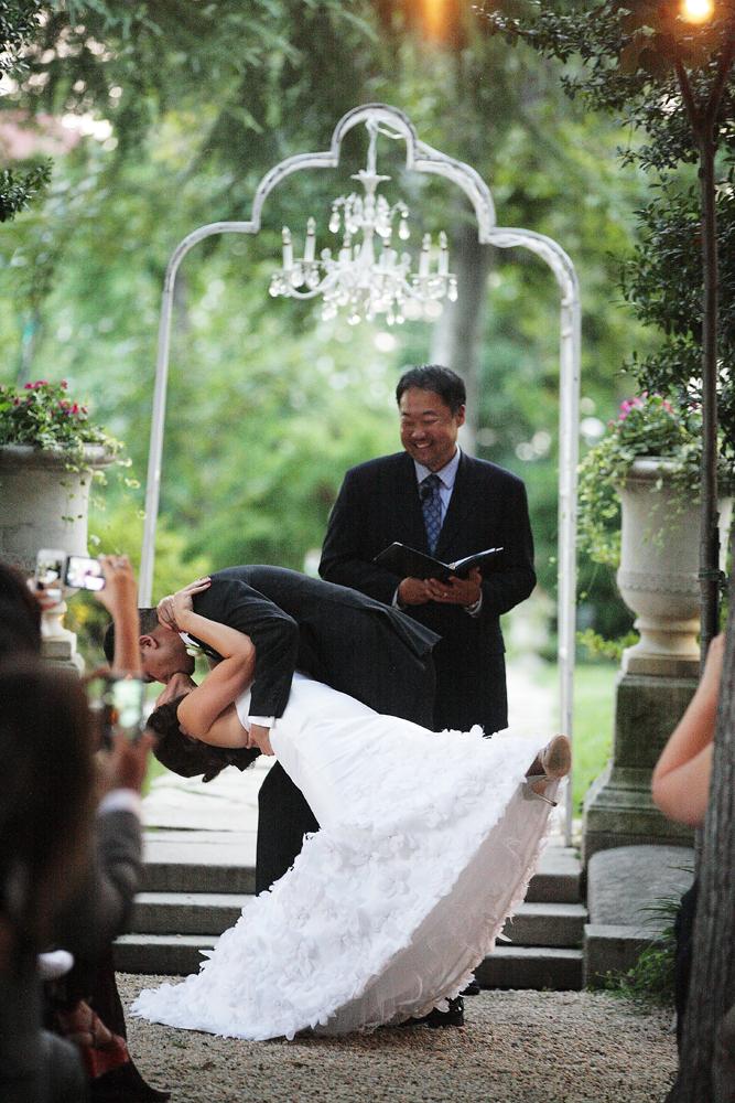 Ceremony, Flowers & Decor, Kiss, Chandelier, Marlysa john
