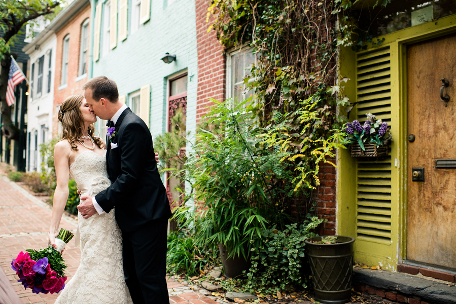 Bride, Groom, Portrait, Wedding, Kiss, Alexandria, Jennifer jamie, Old town alexandria
