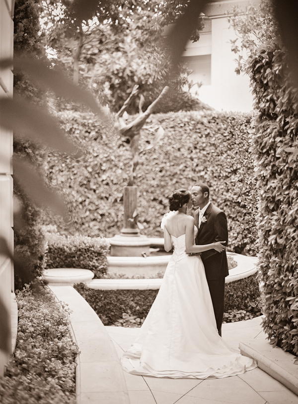 Fountain, Outdoor wedding, Beverly hills, Elisha david