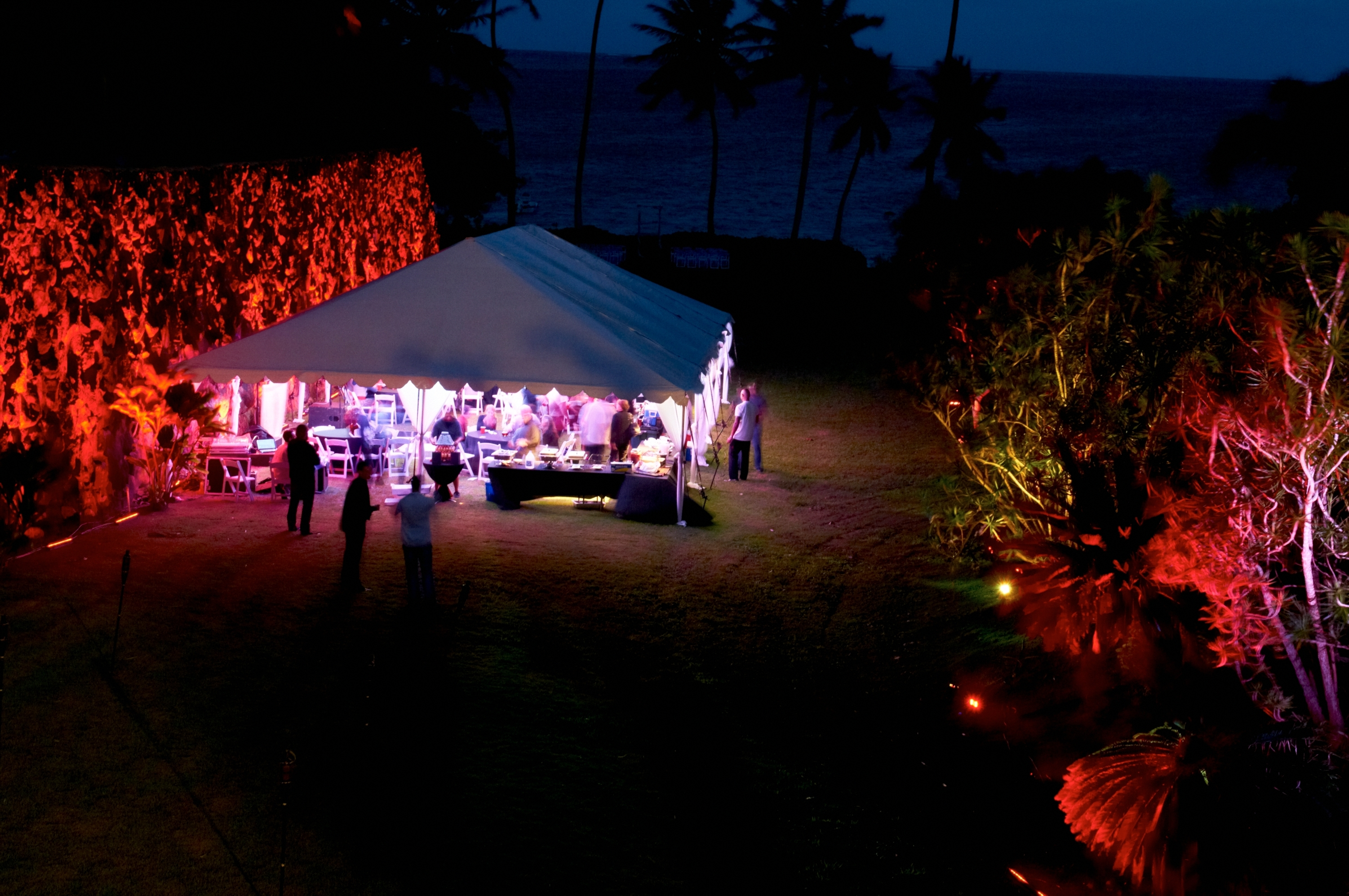 Reception, Flowers & Decor, Destinations, red, Hawaii, Beach, Outdoor, Beach Wedding Flowers & Decor