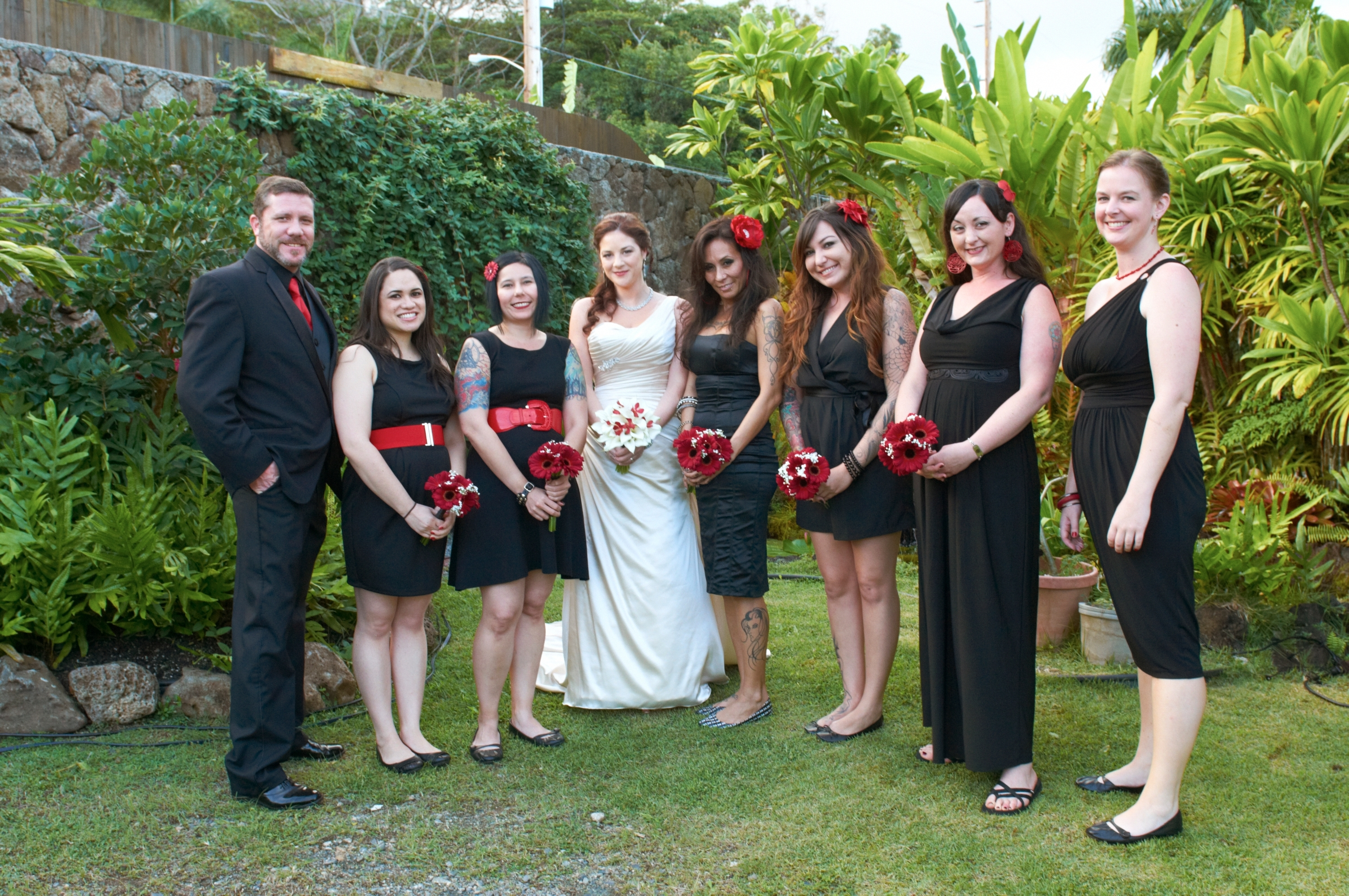 Bridesmaids, Bridesmaids Dresses, Bridesmaid Dresses, Destinations, Fashion, red, black, Hawaii, Red and black