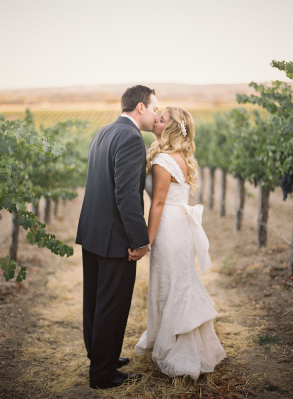 Flowers & Decor, Vineyard, Portrait, Couple, Jessica shawn