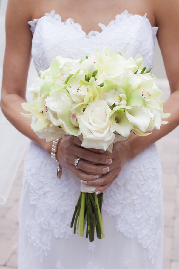 ivory, Classic, Bouquet, bridal bouquet, Clean, Monochromatic, Lauren doug