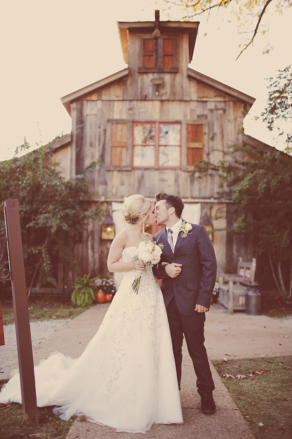 Rustic, Southern, Kiss, Barn, Couple, Emily ben