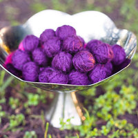 DIY: Yarn Balls to Toss