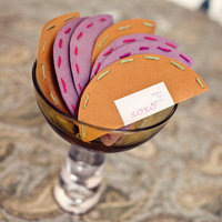 DIY: Wedding Kiss Shakers