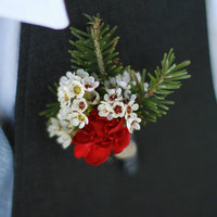 DIY: Holiday Inspired Boutonnieres
