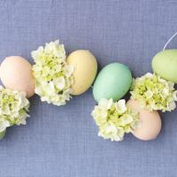 DIY: Hydrangea Easter Egg Garland