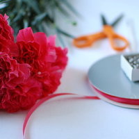 DIY: Wedding Guest Corsages