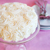 DIY: Rose Wedding Cake