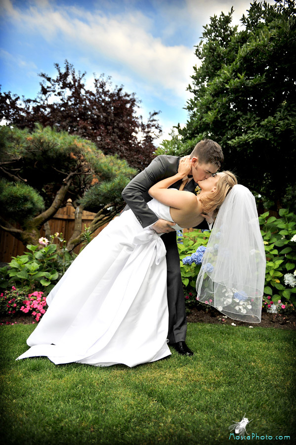 Beauty, Flowers & Decor, Wedding Dresses, Fashion, white, orange, purple, blue, black, dress, Flowers, Hair, Mosca photo, Flower Wedding Dresses