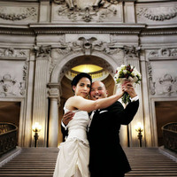 Ceremony, Flowers & Decor, Bride, Groom, Wedding, San francisco, City hall, Rotunda, Michelle hayes photography, Steps