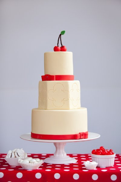 Multi-Shaped Wedding Cakes