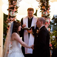 Real Weddings, Wedding Style, Fall Real Weddings, Fall Weddings, tennessee real weddings, tennessee weddings, Tennessee, Classic Real Weddings, Classic Weddings, Romantic Real Weddings, Romantic Weddings, Garden Weddings, Garden Real Weddings, Flowers & Decor, pink, Peach, orange, Fall Wedding Flowers & Decor, Garden Wedding Flowers & Decor, Rustic Wedding Flowers & Decor