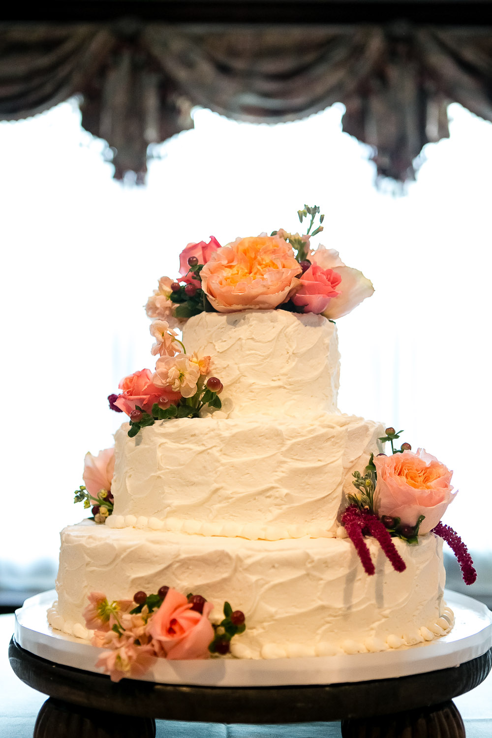 Cakes, Real Weddings, Wedding Style, pink, Floral Wedding Cakes, Round Wedding Cakes, Wedding Cakes, Fall Weddings, Classic Real Weddings, Fall Real Weddings, Garden Real Weddings, Classic Weddings, Garden Weddings, Roses, Peach, Tennessee, Romantic Real Weddings, Romantic Weddings, tennessee real weddings, tennessee weddings
