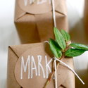 1375582319_thumb_1367592955_content_diy_gingerbread-cookie-favors_1