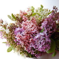DIY: Create a Wild Lilac Bouquet