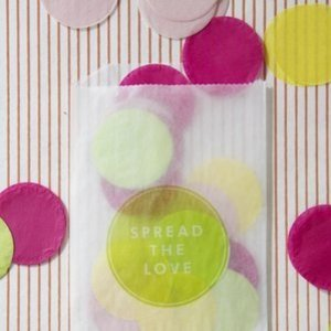 1375582633_photo_preview_1369924640_content_diy_giant-confetti-project_1