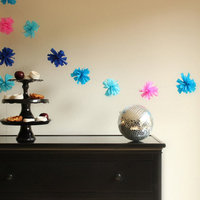 DIY: Crepe Paper Pom Garland