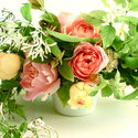 1375583041_thumb_1369945443_content_diy_romantic-garden-rose-centerpieces_1