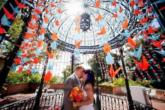 Stringing 1000 paper cranes project wedding for 1000 paper cranes wedding decoration