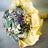 DIY: Brooch bouquet tutorial