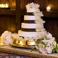Fort Wayne Wedding Cakes