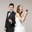 1375592541_thumb_bride-and-groom-on-cell-phones
