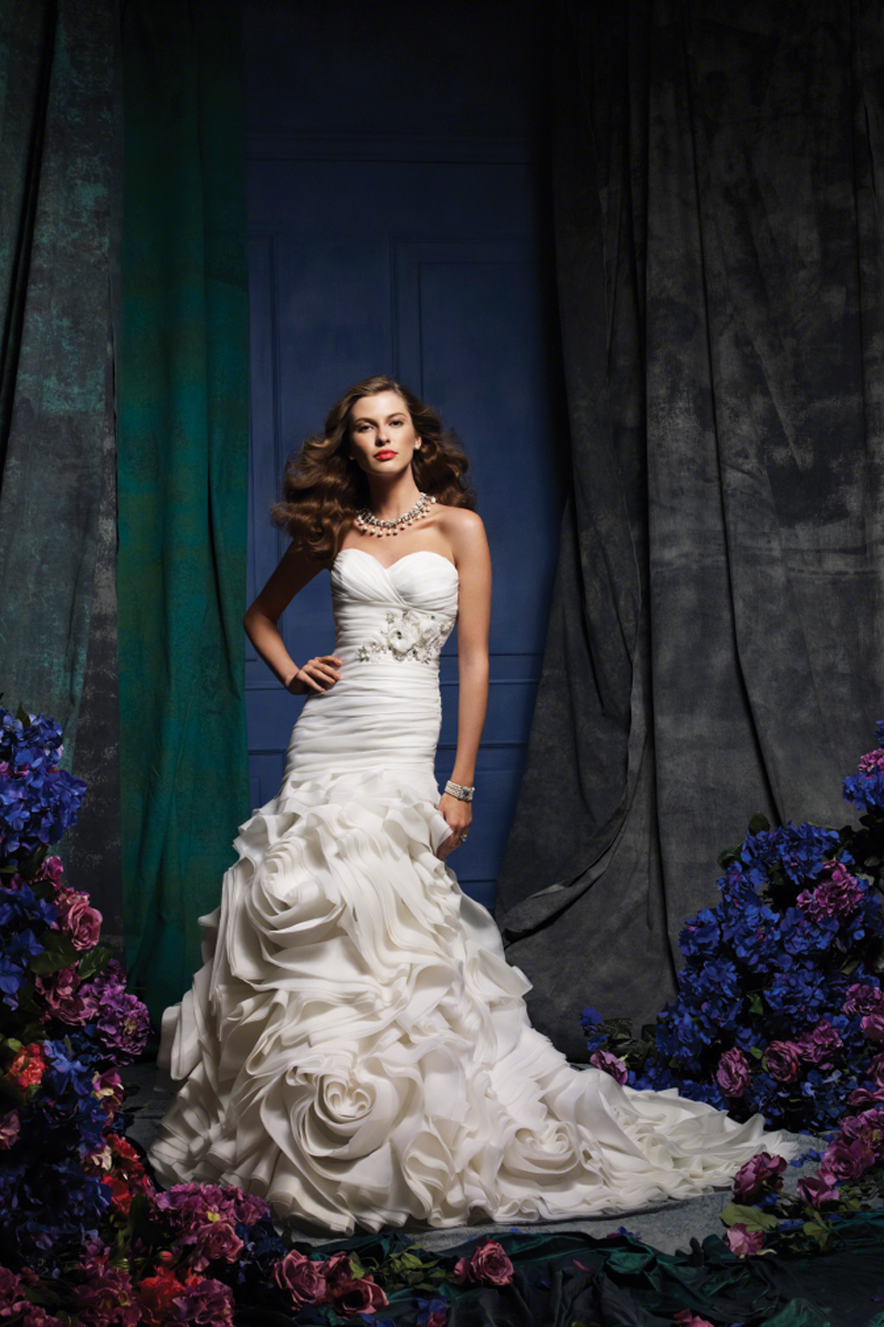 Wedding Dresses, Sweetheart Wedding Dresses, Fashion, Flowers, Sweetheart, Strapless, Strapless Wedding Dresses, Fit and flare, Organza, Alfred angelo, Ruching, organza wedding dresses, Flower Wedding Dresses
